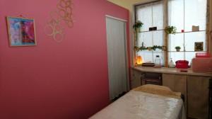 ピンクを基調とした可愛らしいエステルーム